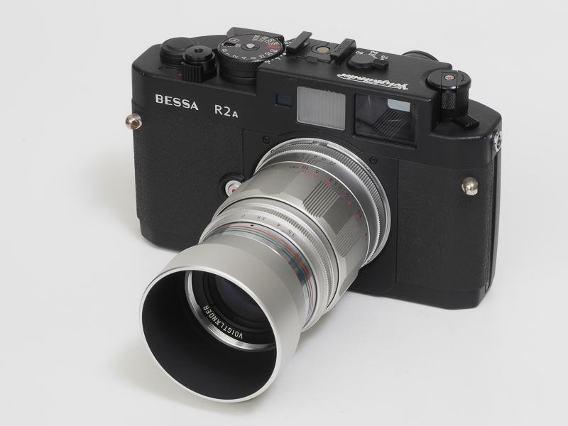 2001年から2011年まで販売されていたライカスクリューマウント互換のAPO-LANTHAR 90mm F3.5。重量260gと初期のエルマー9cmみたいに細身で小型軽量。BEESA R2Aに装着。5群6枚構成、うち異常低分散ガラス1枚。現役時代はあまり注目はされず。とはいえ実際に写してみると切れ込みが際立ちますね。ニコンSマウント互換のS APO-LANTHAR 85mm F3.5もありました。もう幻の製品ですね。