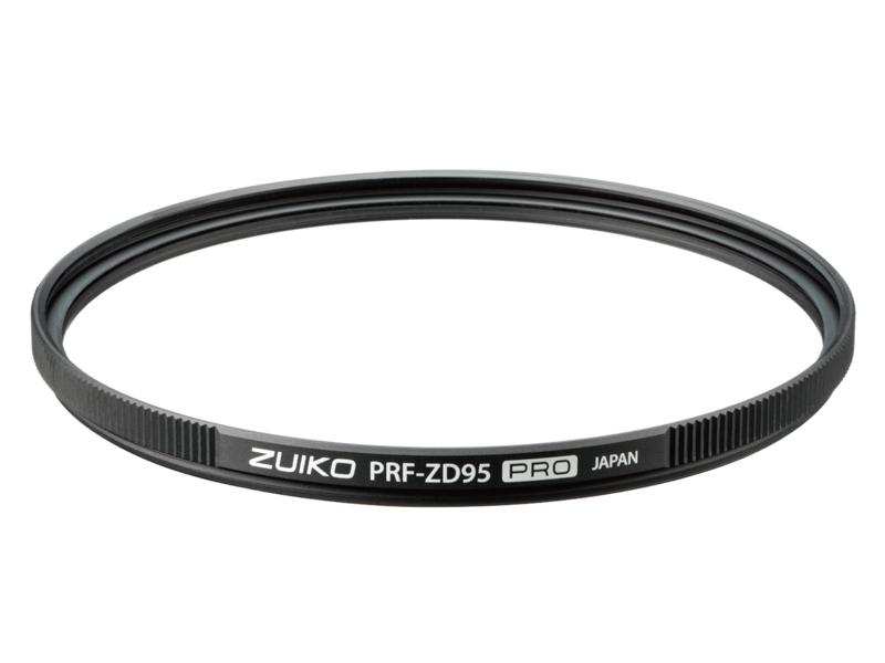 プロテクトフィルター「ZUIKO PRF-ZD95 PRO」(別売。税別3万7,500円)。反射防止のZEROコーティングや、汚れが落ちやすいというフッ素コーティングを施した。