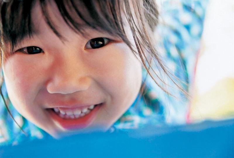 写真用紙クリスピア<高光沢>にプリント。肌の階調豊かなピンク色が、娘を活発かつ健康的に見せてくれる。