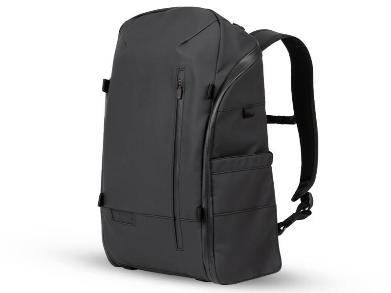 参考:デュオ(バッグ下部にキューブ状の機材収納部を備えるバックパックのカメラバッグ。下部の収納部は折りたたむことが可能で、1室構造のバッグとして使用することもできる)