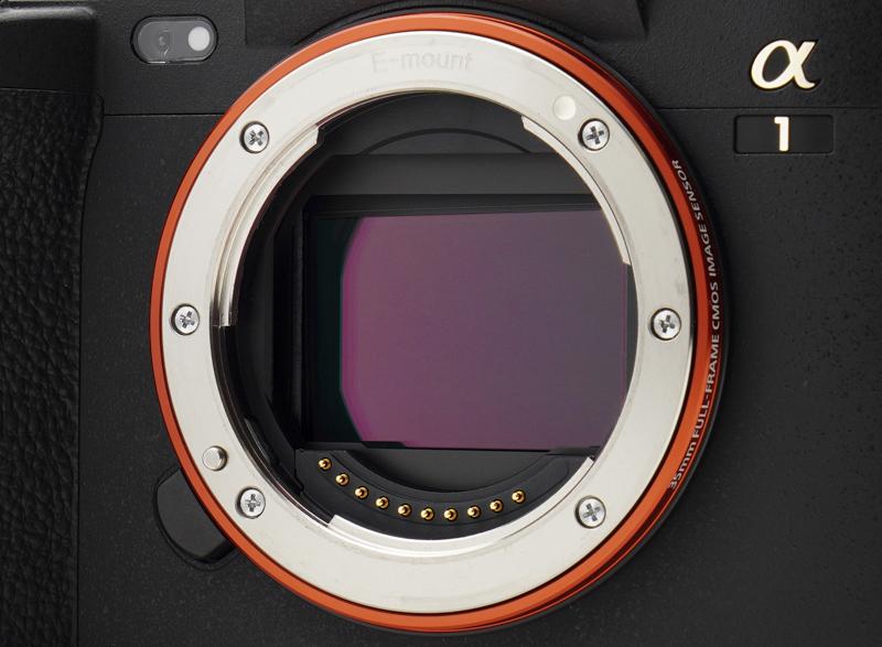 α1は新開発の有効約5,010万画素メモリー内蔵フルサイズ積層型CMOSイメージセンサーを搭載する