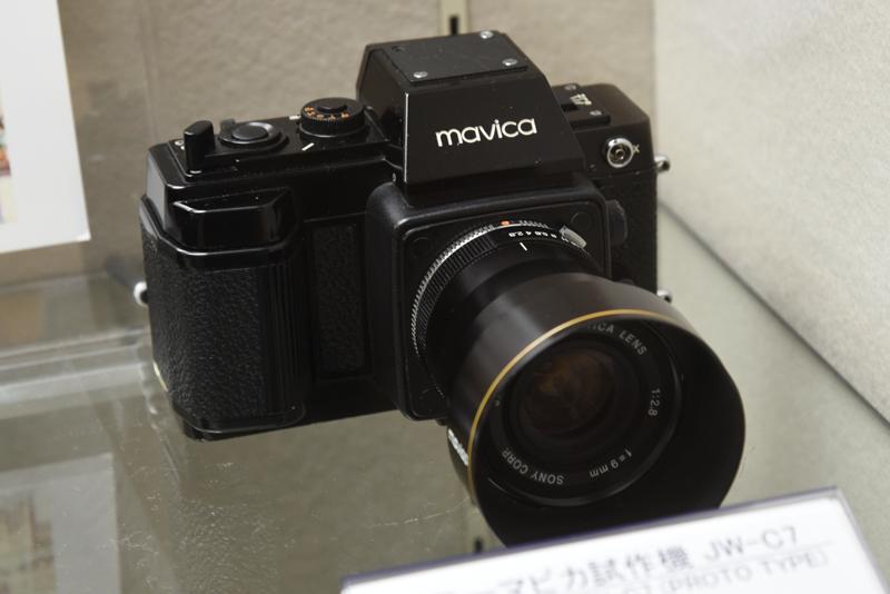 ソニーマビカ試作機 JW-C7(1982年。ソニー)朝日新聞社と共同開発した黒白画像専用のスチルビデオカメラ。