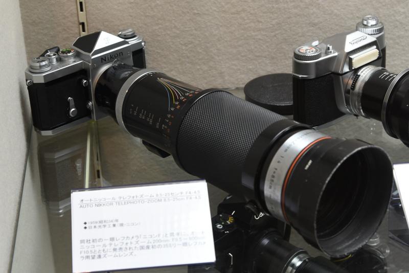 オートニッコールテレフォトズーム 8.5-2.5センチ F4-4.5(1959年。日本光学工業:現ニコン)。国産初の35mm一眼レフカメラ用望遠ズーム