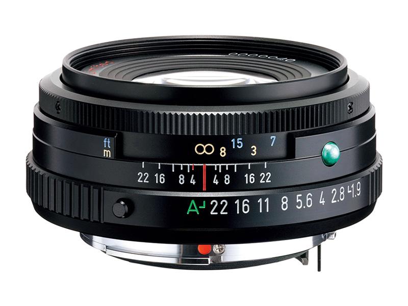 発売年:2021年 レンズ構成:6群7枚 絞り羽根枚数:8枚 最小絞り:F22 最短撮影距離:45cm 最大撮影倍率:約0.12倍 フィルター径:49mm 外形寸法(最大径×全長):64×27mm 質量:155g