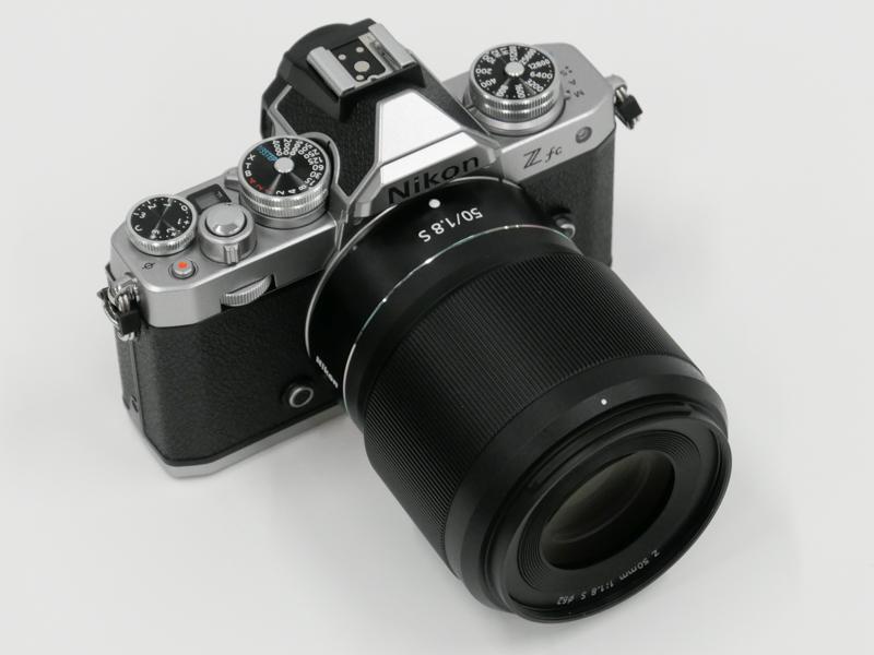 フルサイズ対応の「NIKKOR Z 50mm f/1.8 S」を装着