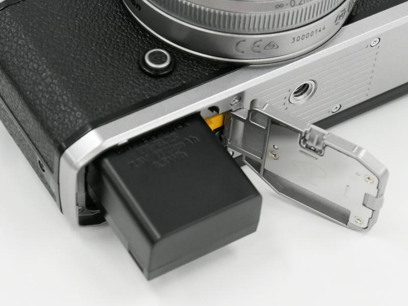 バッテリーはZ 50と同じ「EN-EL25」。