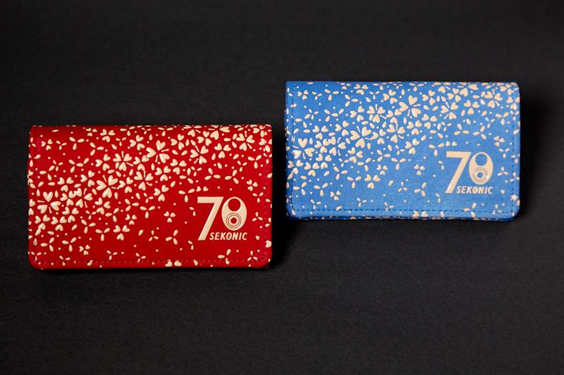 同じくMakuakeでの予約者に贈られる70周年記念カードケース(カラーは選択できない)