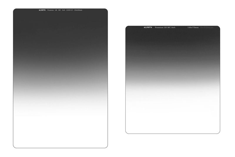 従来品とのサイズ比較。左が150×220mmタイプ