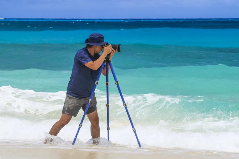 水を気にせず大胆に三脚を据えられることは、新たな撮影フィールドを獲得したほどの視野の広がりをもたらす。さまざまなフィルターワークも可能となり、これまでにない波の表情を発見できる面白さがある。