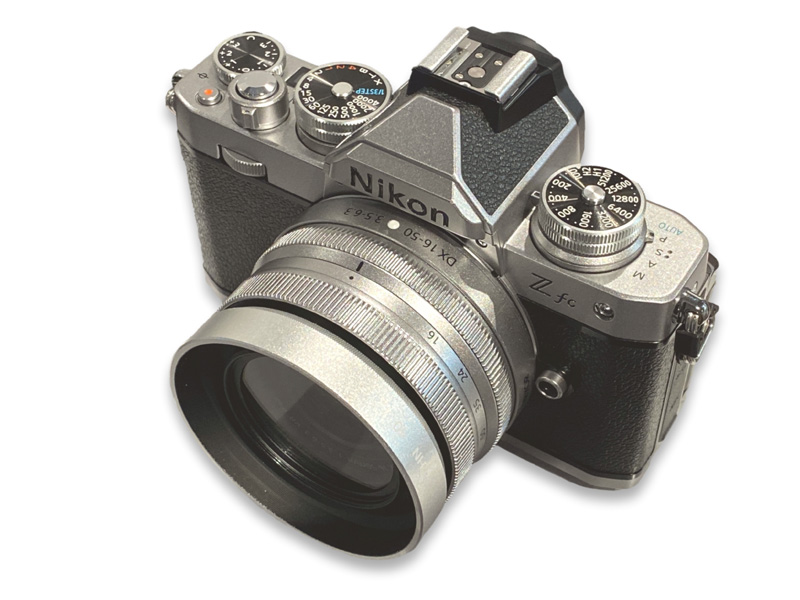 ニコン Z fc+NIKKOR Z DX 16-50mm f/3.5-6.3 VR(シルバー)との組み合わせ例