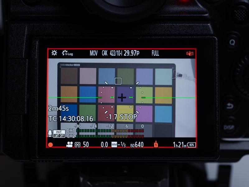 このテストでは筆者が強く導入を検討している「SDXC UHS-II COBALT 256GB」を使用。他社カードと同一テスト条件のCinema4Kの30P ALL-Intra 400Mbpsモードで記録した