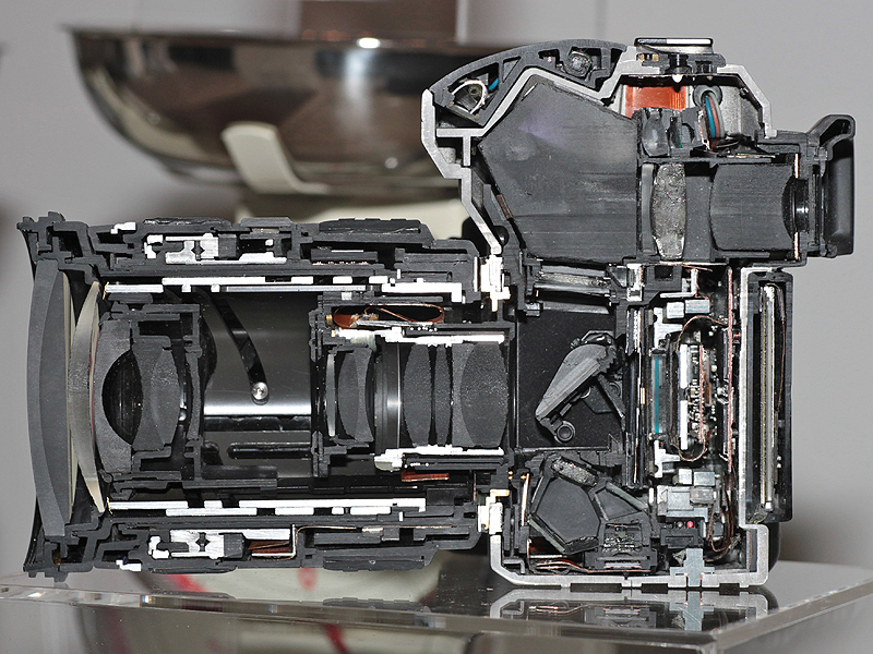 <b>E-3のカットモデル</b>