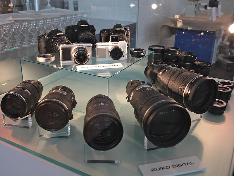 <b>オリンパスでは今後、マイクロフォーサーズとフォーサーズの両輪でレンズ交換式カメラを展開する</b>