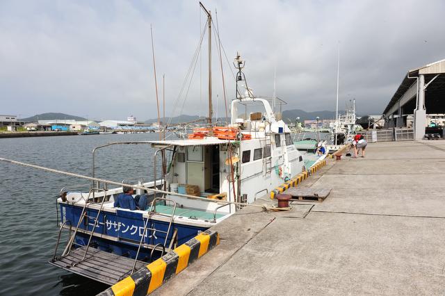 <b>チャーターした釣り船</b>