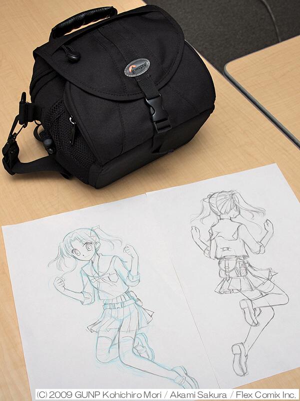 <STRONG>瀬名ユカリが使用しているのは、ロープロ製のウエストバッグだ(下は設定資料)。写真の現物は、さくら氏が普段使っている</STRONG>