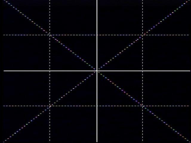 <b>グリッドガイド表示:縦横4分割+対角線</b>