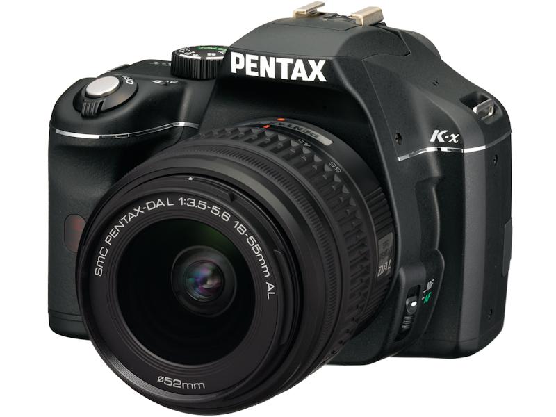 <b>DA L 18-55mm F3.5-5.6 ALを装着したK-x(ブラック)</b>