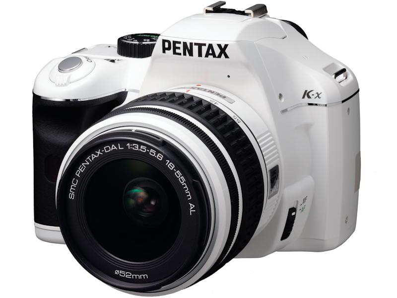 <b>K-x(ホワイト)にレンズキットのDA L 18-55mm F3.5-5.6 ALを装着</b>