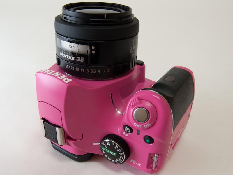 <b>ピンクボディ+ブラックグリップ+FA 35mm F2 AL</b>
