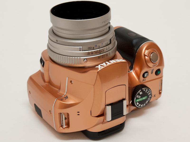 <b>ライトオレンジボディ+ブラックグリップ+FA 43mm F1.9 Limited</b>