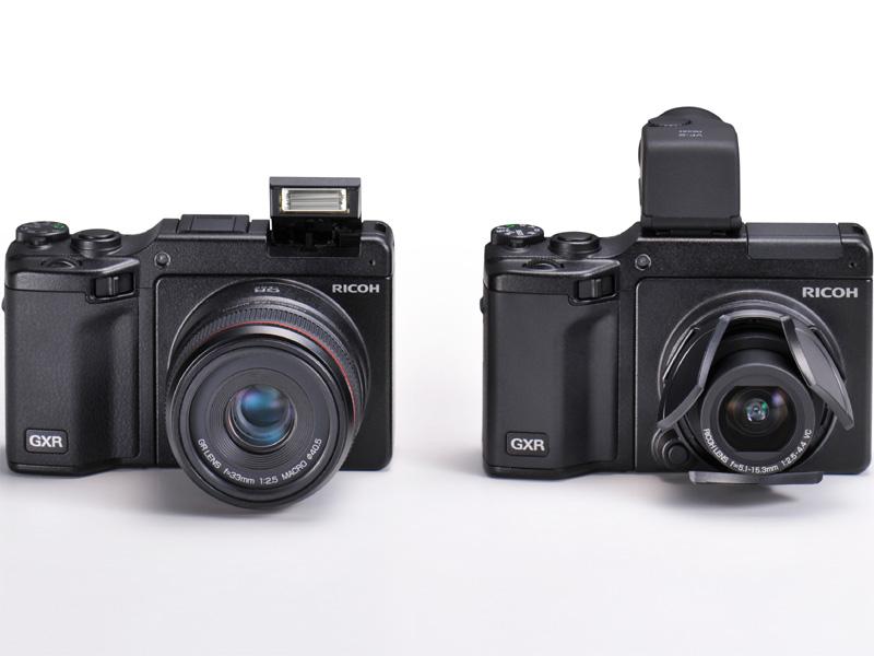 <b>GXRにGR LENS A12 50mm F2.5 Macroを装着(左)。右はGXRにRICOH LENS S10 24-72mm F2.5-4.4 VC、自動開閉式レンズキャップLC-2、外付けEVFのVF-2を装着したところ</b>