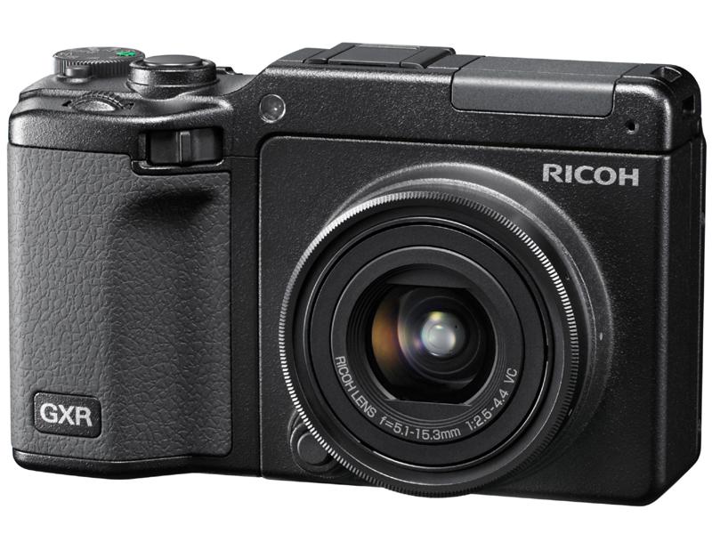 <b>GXRに装着したRICOH LENS S10 24-72mm F2.5-4.4 VC</b>