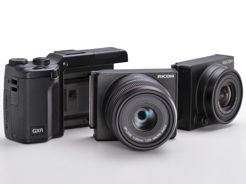 <b>左からGXR、GR LENS A12 50mm F2.5 Macro、RICOH LENS S10 24-72mm F2.5-4.4 VC</b>