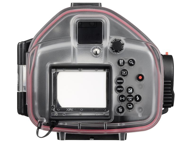 <b>E-PL1専用の防水プロテクター「PT-EP01」(7万4,550円)</b>