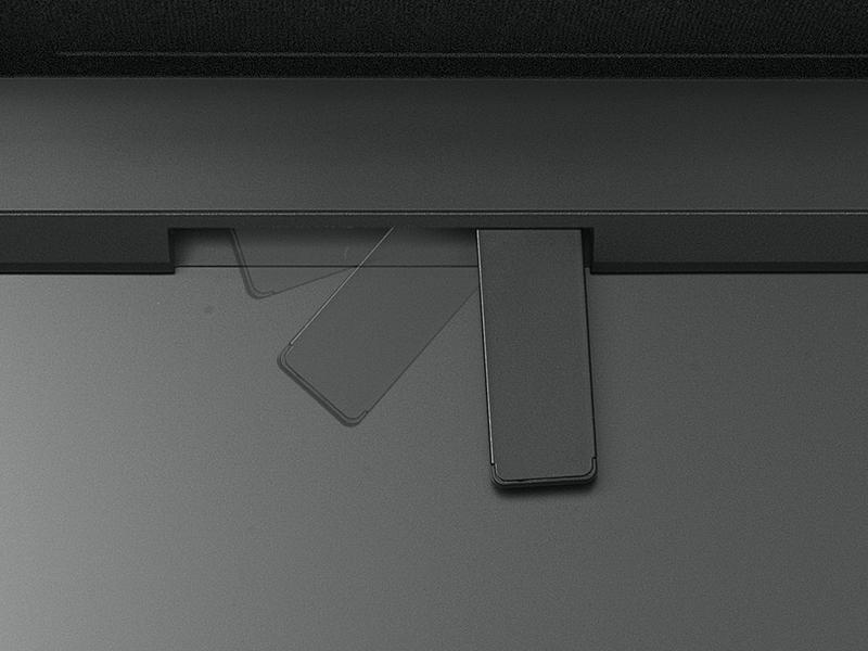 <b>内蔵センサーは電動。自動的に展開する</b>