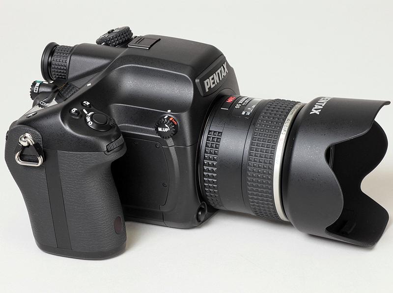 <b>645D。装着レンズは、D FA645 55mm F2.8 AL [IF] SDM AW</b>