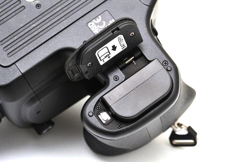 <b>バッテリーはK-7と共通</b>