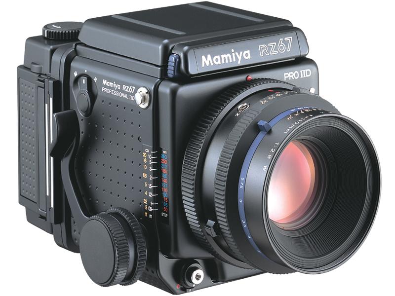 <b>RZ67 Pro II D(装着しているのは120ロールフィルムホルダー)</b>