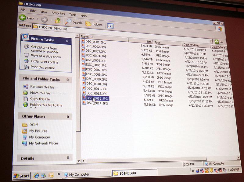 <b>SD WORMカードをUSBカードリーダーを介してPCに接続したところ。一般的なメモリーカードと同様に表示される</b>