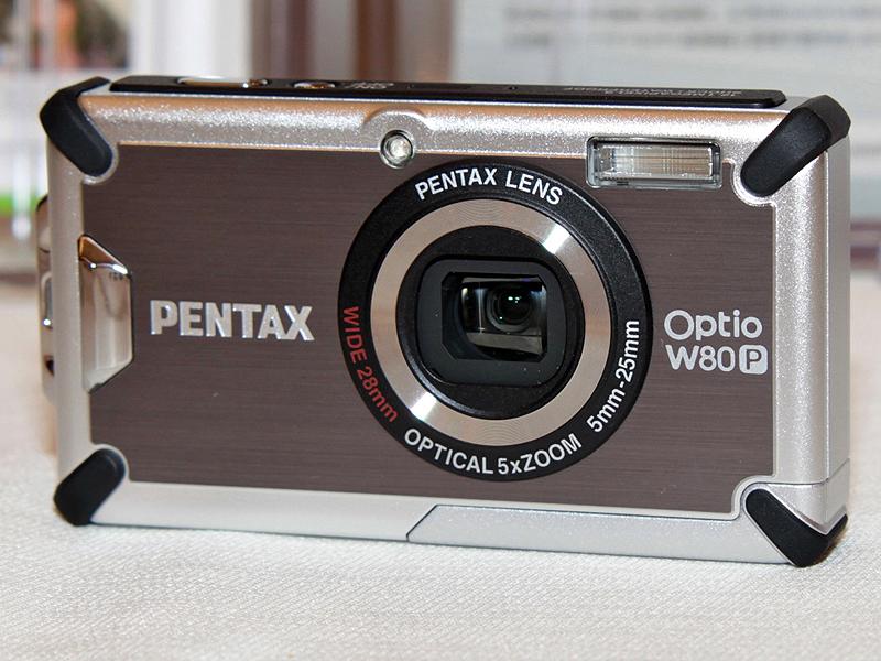 <b>ペンタックス「Optio W80」ベースの「Optio W80-P」</b>