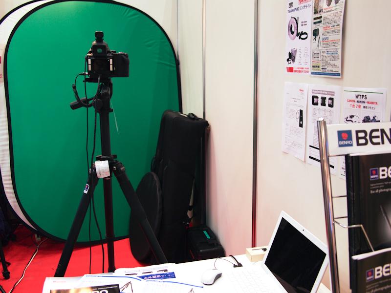 <b>マミヤの中判デジタルシステムで撮影を試せるスペースもあった</b>