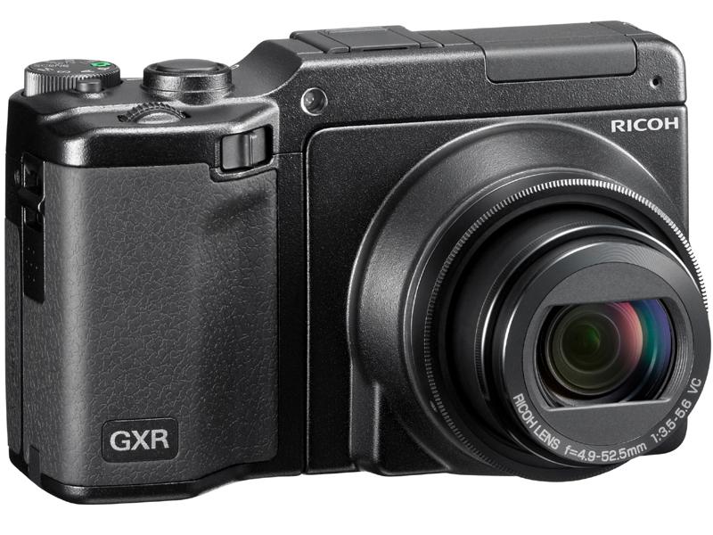 <b>GXRにRICOH LENS P10 28-300mm F3.5-5.6 VCを装着</b>