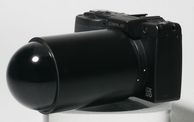 <b>直径50mmという大きなクリスタルガラス球を使用。内径50mmの透明アクリルの筒をカットし、黒く塗装した。リコーCaplio GX100のフード&amp;アダプター(HA-2)の外径がちょうど50mmだったので、ぴったりはめることができた</b>