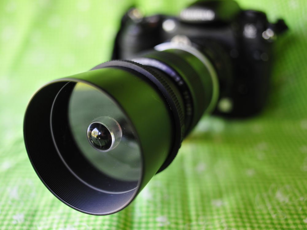 <b>レンズのフードを利用してHiroさんが作った宙玉レンズ。これだったら街中で撮影していても、恥ずかしくないですね</b>