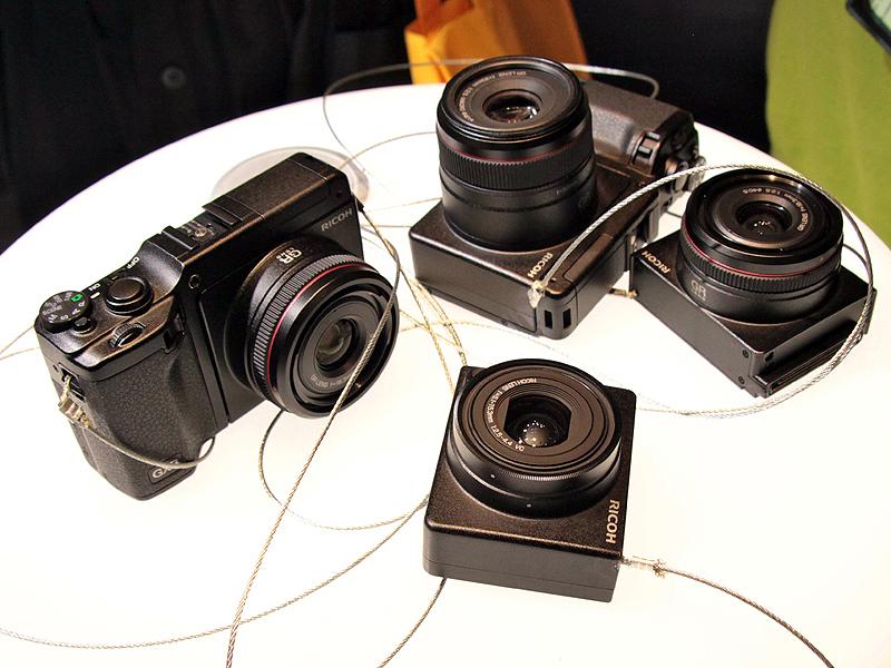 <b>GXRをカメラユニットともに展示。交換して撮影を試すことができる</b>