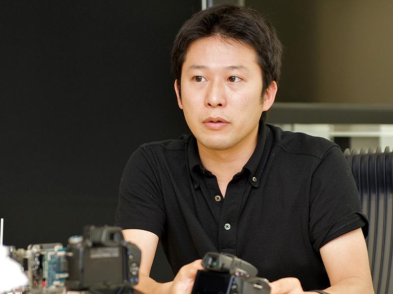 <b>商品企画を担当した鈴木氏</b>