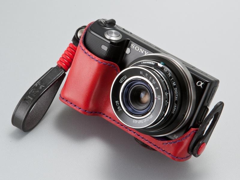 <b>インダスター69 28mm F2.8はレンズ前面に絞りリングがある。エルマーに似た構造だ</b>