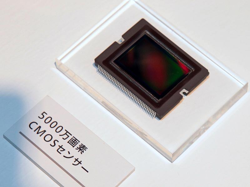 <b>5,000万画素のCMOSセンサー</b>