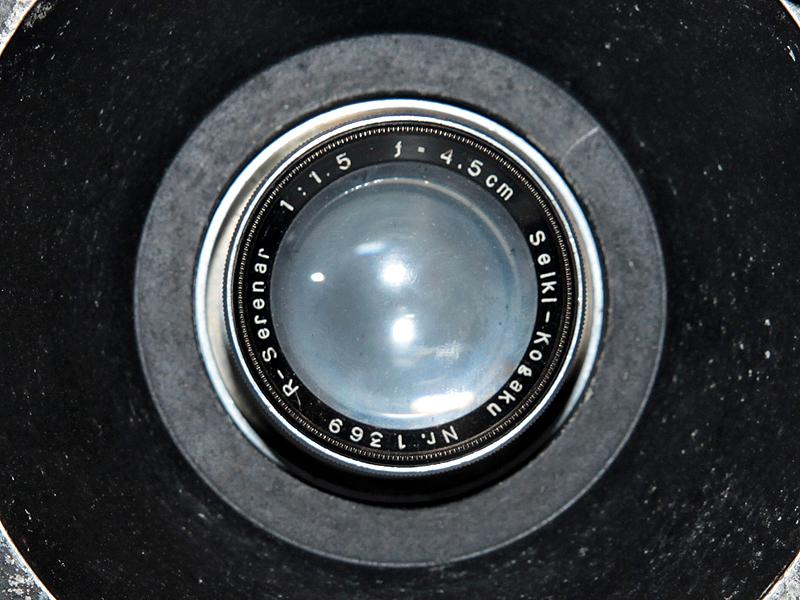 <b>レンズはR-Serenar 4.5cm F1.5</b>