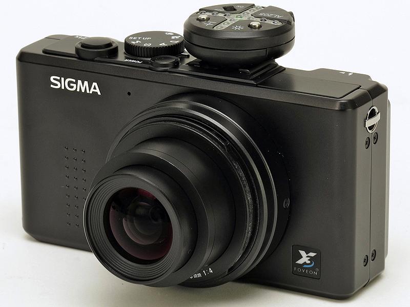 <b>シグマ「DP1x」への装着例</b>