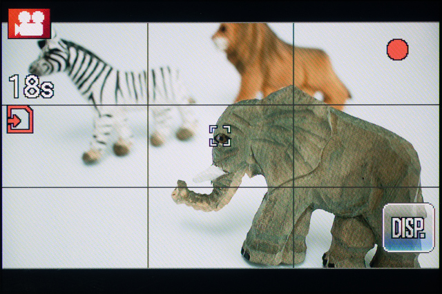 <b>動画撮影中の画面。この状態で画面をタッチすると、その場所にピントを合わせてくれる</b>