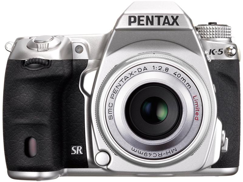 <b>DA 40mm F2.8 Limited Silverを装着したK-5 Limited Silver</b>