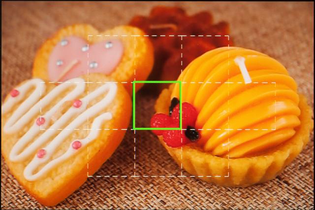 <b>AFは11点のコントラスト検出AF。M.ZUIKO DIGITAL 14-42mm F3.5-5.6 IIとの組み合わせだと静かで速くて迷いも少ない</b>