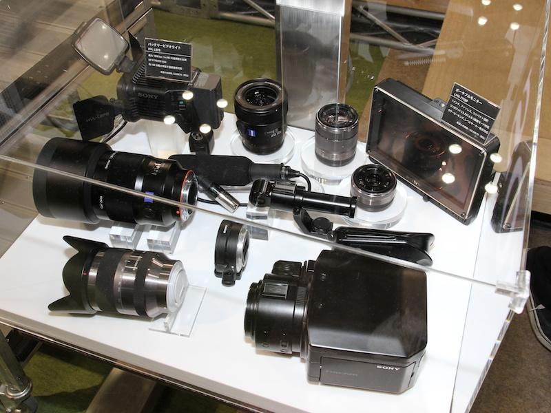 <b>スーパー35mm CMOSセンサー搭載のNXCAMカムコーダーなどを参考出品していた</b>