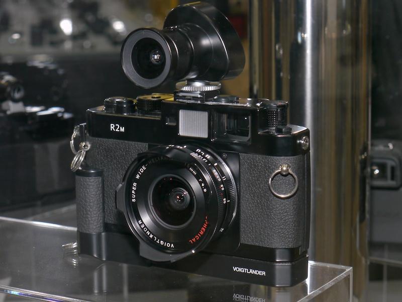 <b>ベッサR2M、ULTRA WIDE-HELIAR 12mm F5.6 Aspherical II、15-35mm Zoom Finderの組み合わせ例</b>