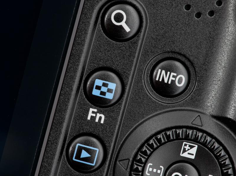 """<b>""""+MF""""モードは使わないことにしたので、その分、MF時に便利なように、Fnボタンで""""親指AF""""が使えるようにした</b>"""